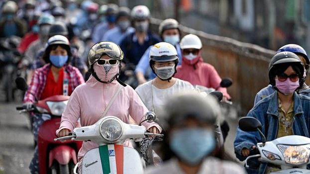 vietnam-commuters-face-masks-hanoi-may4-2021.jpg