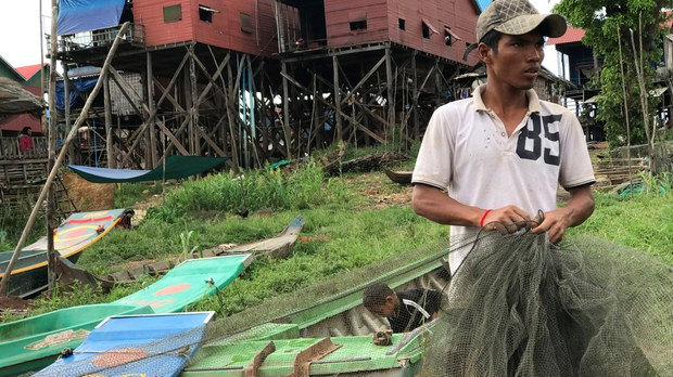 Low Mekong Levels Hurt Cambodia's Farmers, Prompting Call For Talks Between River Nations