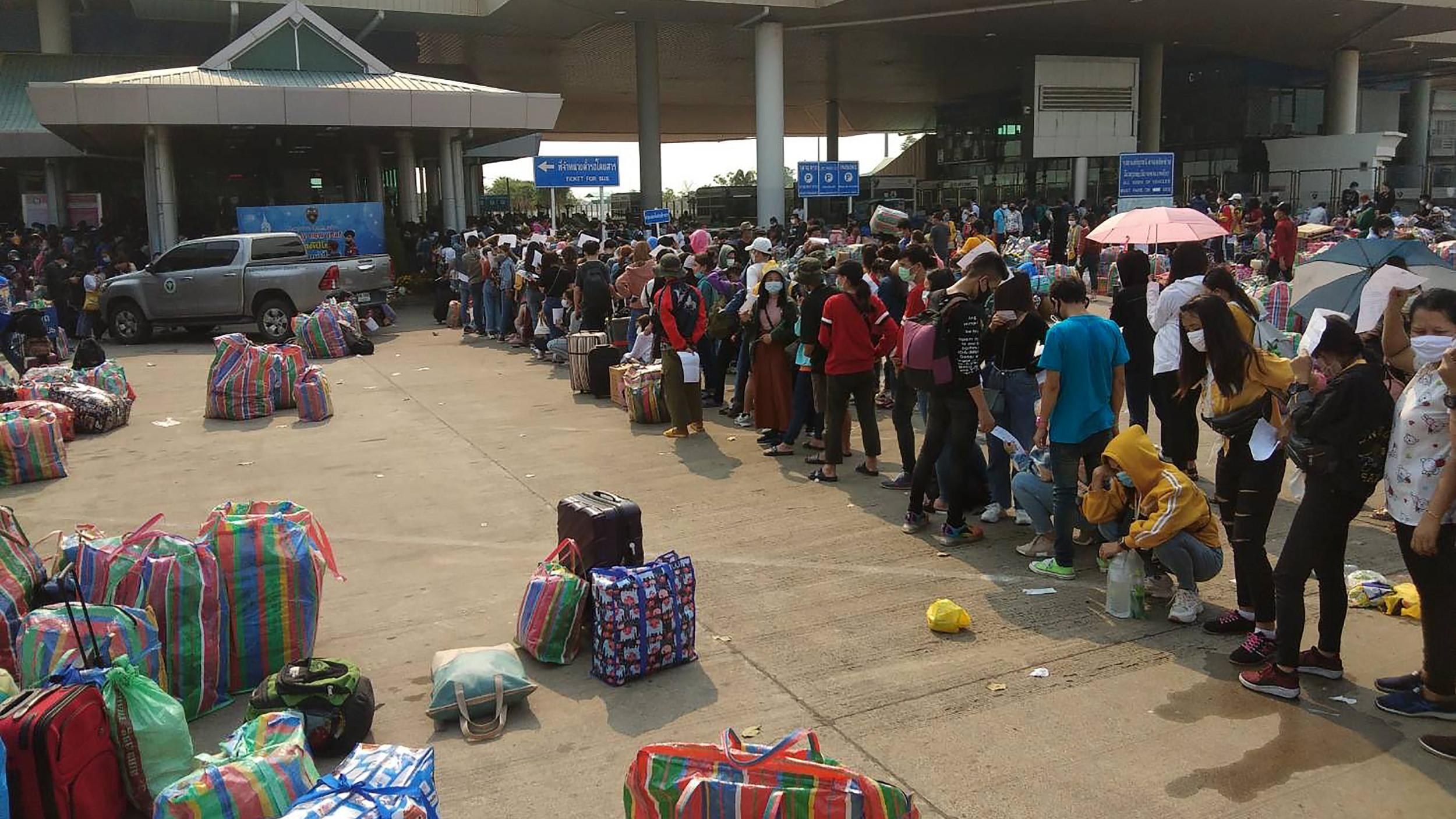 Unemployed Southeast Asian Migrants in Thailand Struggle as COVID-19 Shuts  Down Economy — Radio Free Asia
