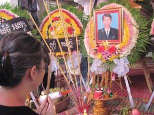chhut-wuthy-funeral-305.jpg