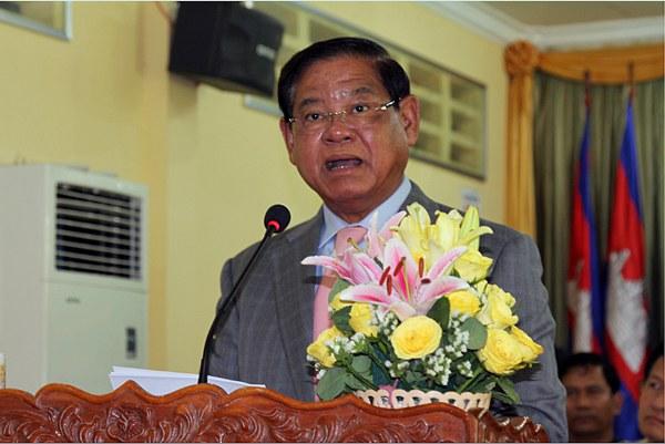 cambodia-interior-minister-sar-kheng-sept7-2015.jpg
