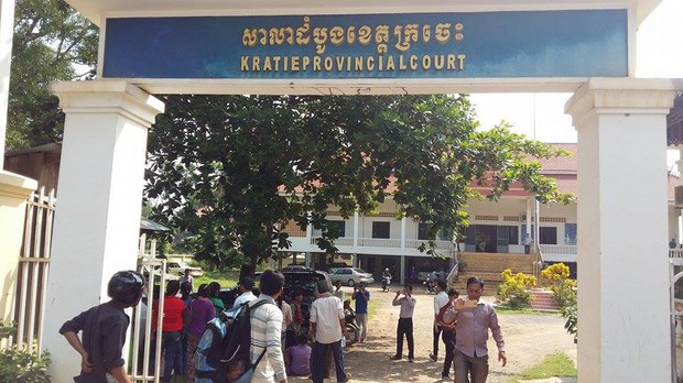 cambodia-phnong-villagers-kratie-sept-2015.jpg