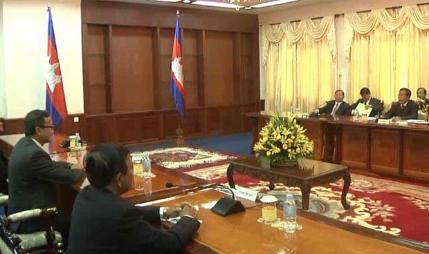 cambodia-cnrp-cpp-meeting-sept-2013-crop.jpg