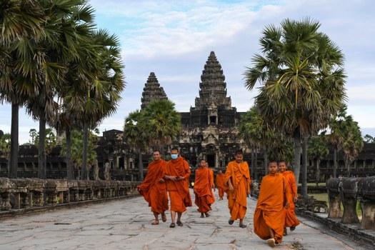 cambodia-monks-angkor-wat-nov-2020.jpg