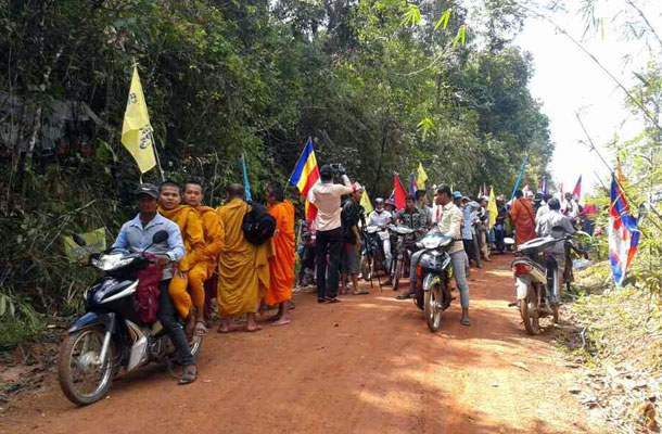 cambodia-koh-kong-protestors-sept-2014.jpg