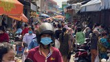 Cambodians Rush to Markets as Hun Sen Imposes COVID Lockdown