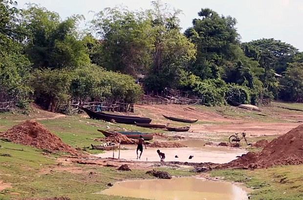 cambodia-drought-kampong-thom-reservoir-june14-2015.jpg