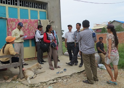 Representatives from local rights groups investigate the detentions, Nov. 15, 2012.