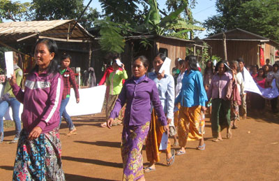 Indigenous villagers march to raise awareness of the negative impacts of hydropower dams in Stung Treng province, Dec. 9, 2014. Credit: RFA