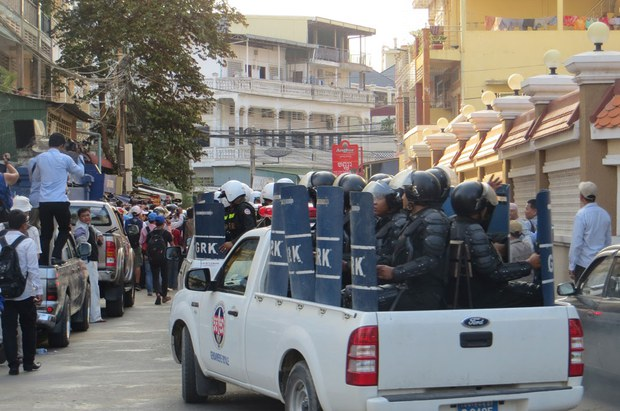 cambodia-riot-police-23-trial-april-2014-crop.jpg