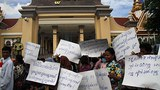 cambodia-villagers-protest-land-grabs-at-national-assembly-july15-2015.jpg