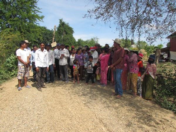 cambodia-battambang-banan-district-villagers-protest-may18-2015.jpg