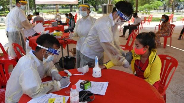 cambodia-coronavirus-check-migrant-worker-april-2020-crop.jpg