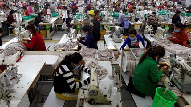 cambodia-h&m-factory-workers-dec-2018-crop.jpg