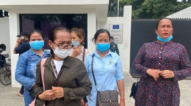 khmer-wives2-081020.jpg