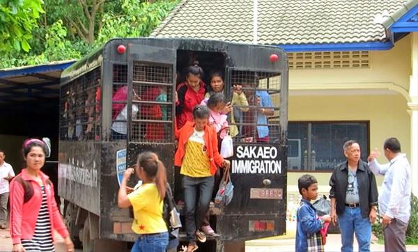cambodia-migrant-workers-poipet-june-2014-crop.jpg