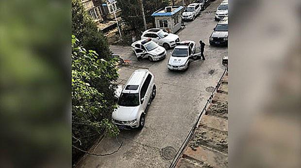 china-policecars2-041718.jpg