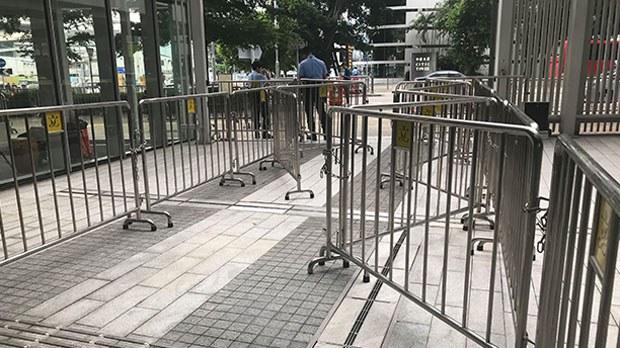 china-barriers3-061019.jpg