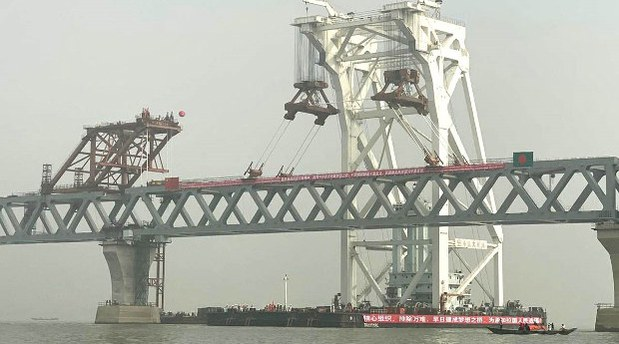 Bangladesh Installs Last Span of Ambitious Chinese-Backed Bridge Project