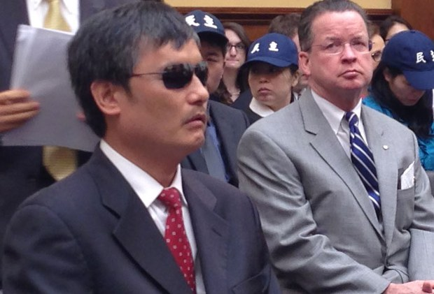 china-chen-guangcheng-april-2013.jpg