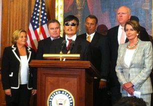 Chen Guangcheng speaks to reporters in Washington, Aug. 1, 2012. Credit: RFA.