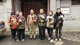 china-wellwishers2-040518.jpg