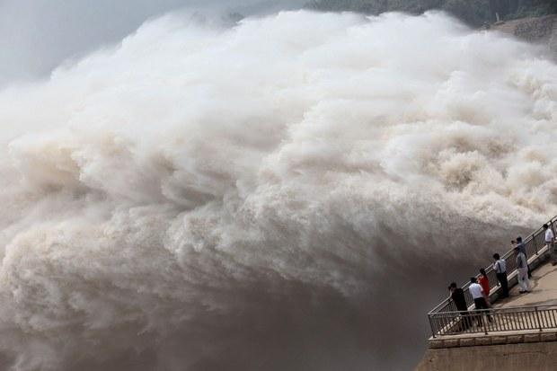 china-dam-water-release-july-2013.jpg