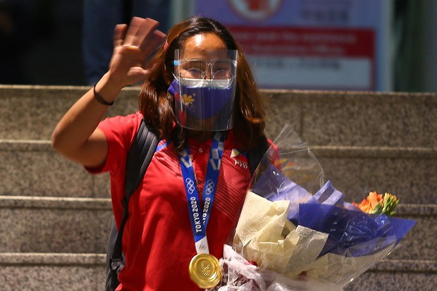 Philippine Olympic Champ Wades Into Manila's South China Sea Dispute With Beijing