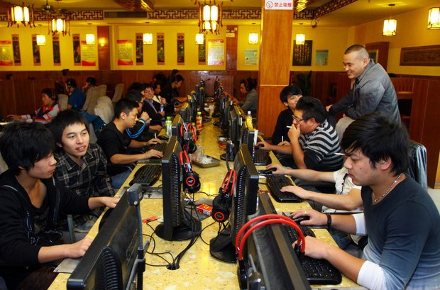 china-internet-cafe-nov-2012.jpg