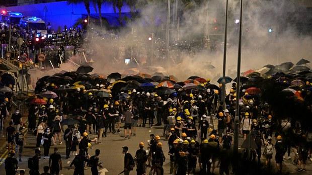 hongkong-teargas.jpg