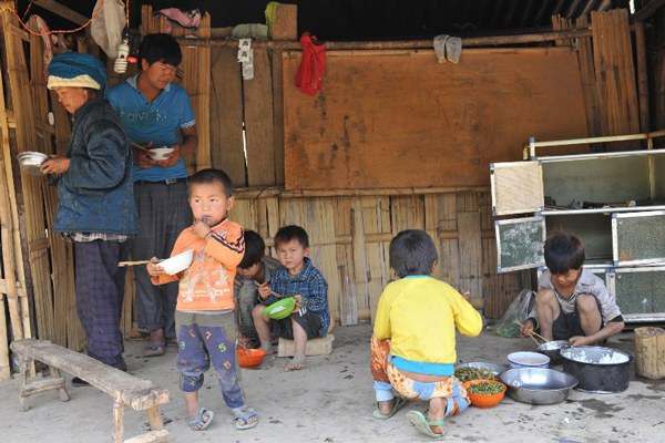 myanmar-kokang-refugees-lincang-apr6-2015.jpg