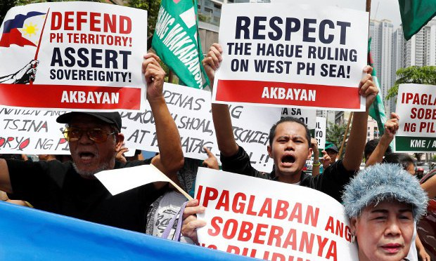 Philippines Again Leans Toward US After Soft-Pedaling on South China Sea Issue