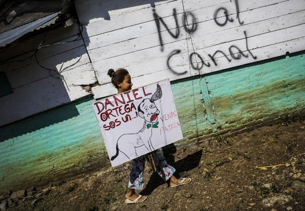 nicaragua-canal-girl-with-sign-dec11-2014.jpg