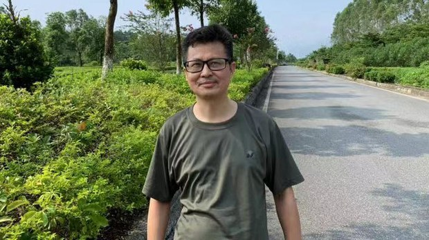 Rights Activist Calls on China's Premier to Give Back His Passport