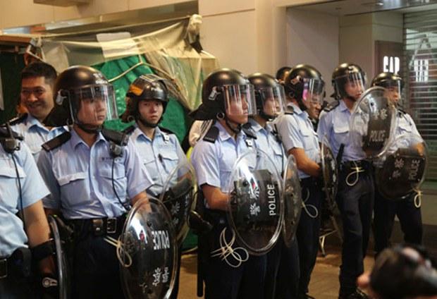 hong-kong-mong-kok-police-nov25-2014.jpg