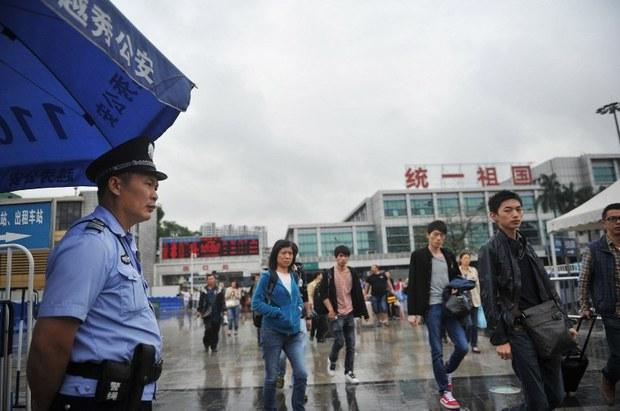 china-guangzhou-police-may-2014.jpg