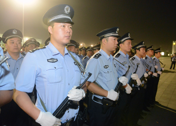 Policewomen on duty on Womens Day in Chongqing (3