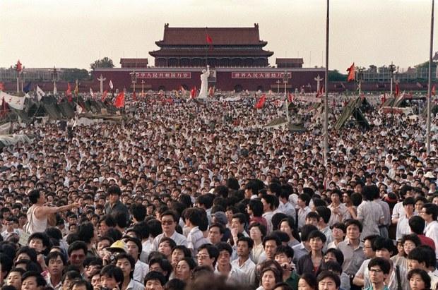 china-tiananmen-june-2-1989.jpg