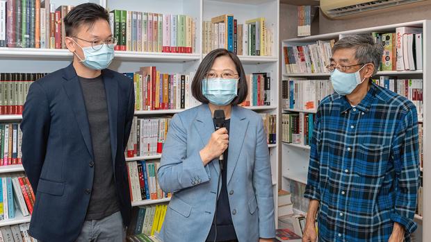 Taiwan President Visits Hong Kong Bookseller's New Store