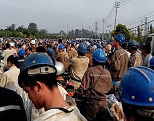 china-shipbuilders-strike-jiangsu-province-sept16-2015-305.jpg