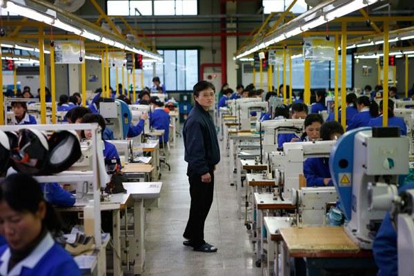 north-korea-factory-manager-kaesong-dec19-2013.jpg