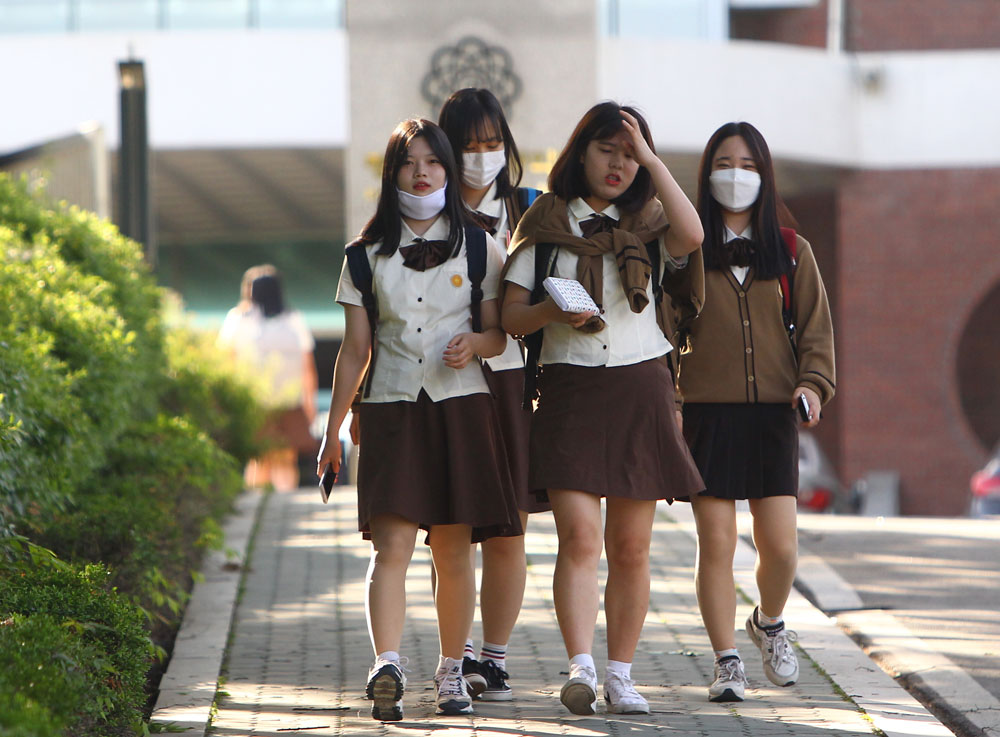 MERS Outbreak 2015: South Korea Death Toll Rises To 23, 3 New ...