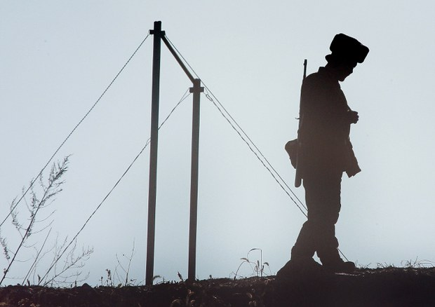 nk-border-soldier.jpg