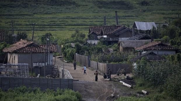 nk-village-chinese-border-crop1.jpg