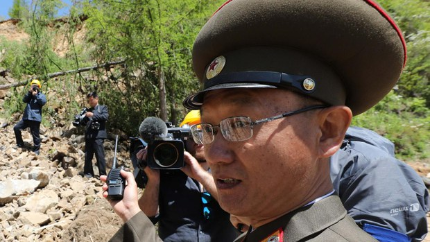 nk-punggye-ri-demolition-crop