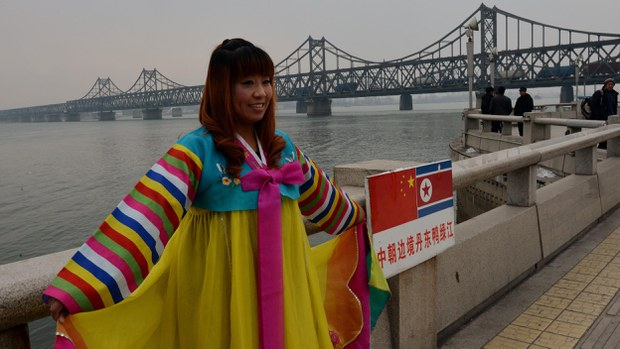 nk-china-friendship-bridge-2013-crop