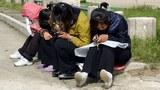 korea-mobilephones-101218.jpg
