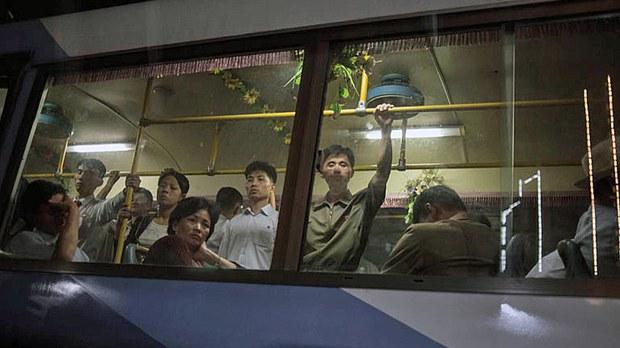 north-korea-public-bus-pyongyang-sept28-2016.jpg