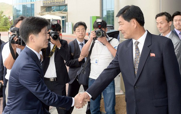 north-korea-kaesong-wage-talks-july16-2015.jpg