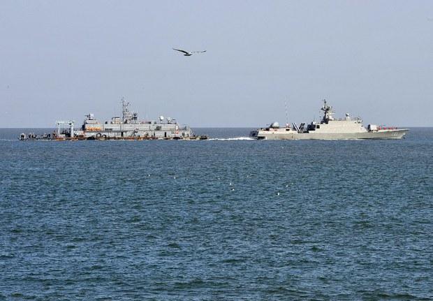nk-sk-navy-yellow-sea-april-2013.jpg